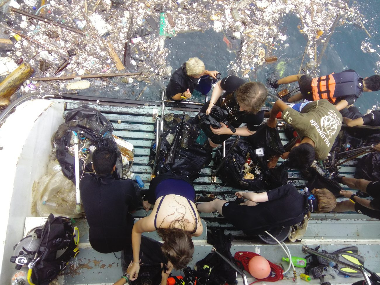 Surface rubbish cleanup Ocean
