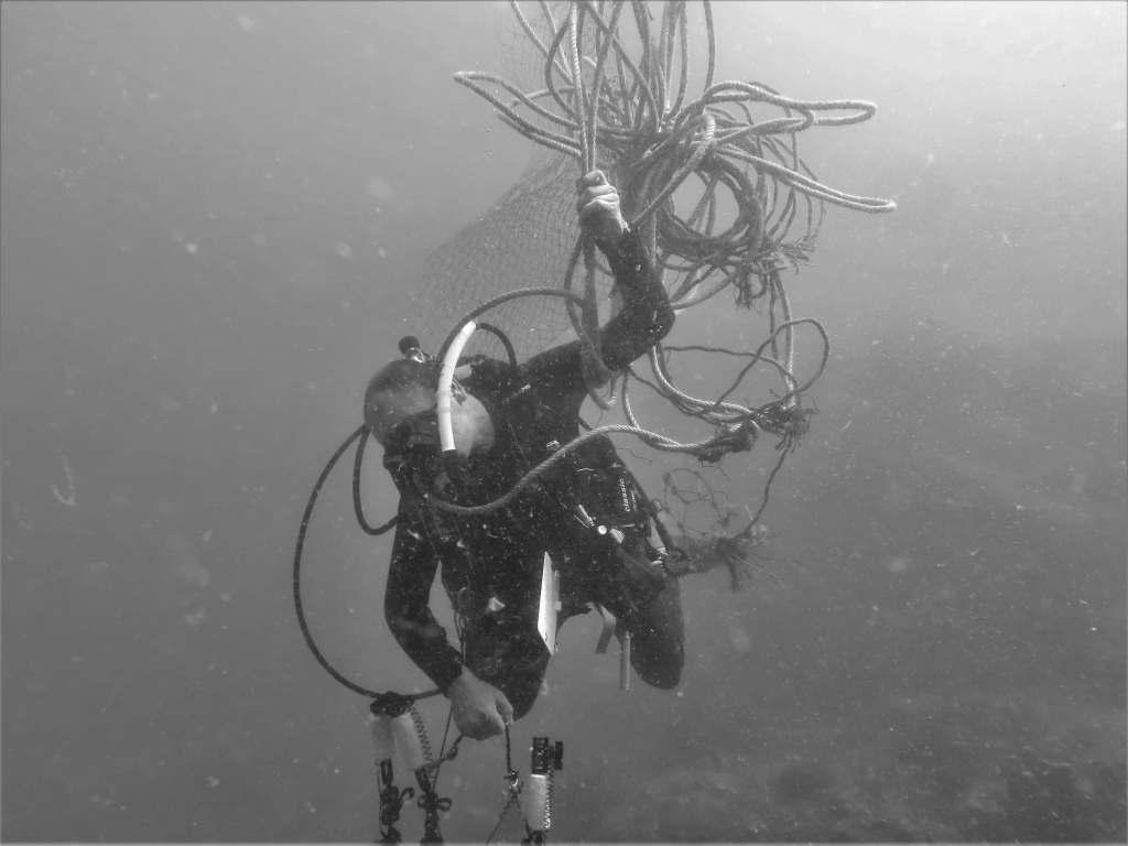 Underwater Cleanup Dan Marine Conservation Volunteer