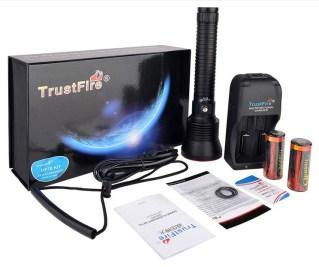 TrustFire DF70 Dive Light