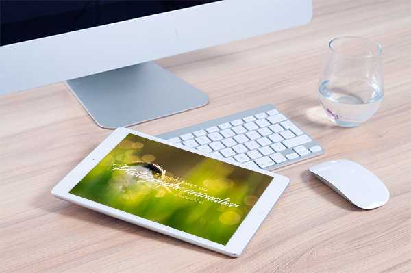 Mockup Ipad desk