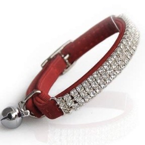 Red-Velvet-Crystal-Cat-Collar