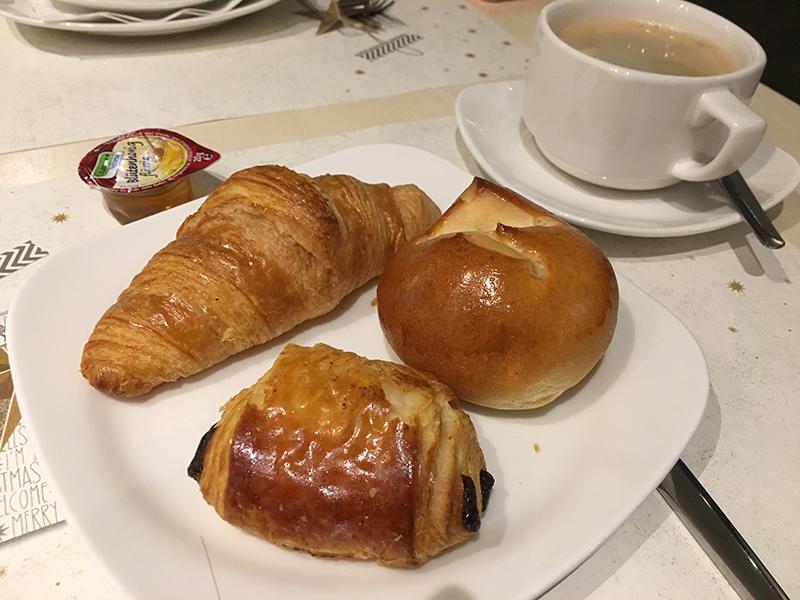 盧森堡中央車站宜必思尚品酒店的早餐