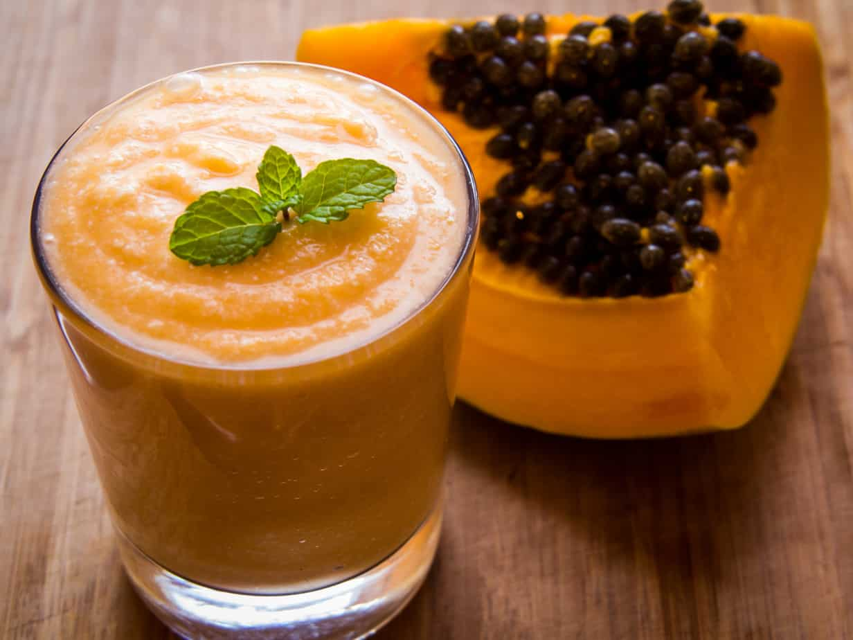 1 Minute Delicious Detoxifying Papaya Smoothie With Coconut