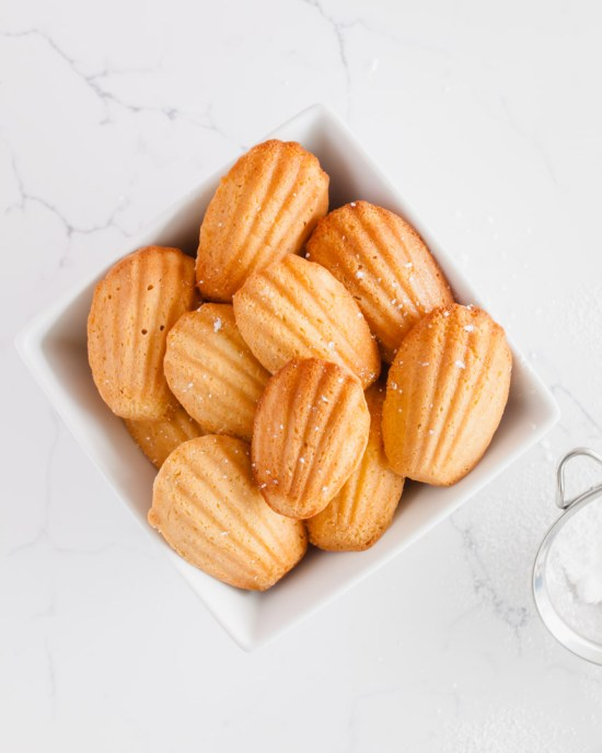 madeleines-french-recipes-baking-cakes-madeleine-pan-valentines-day-dairyfree-glutenfree