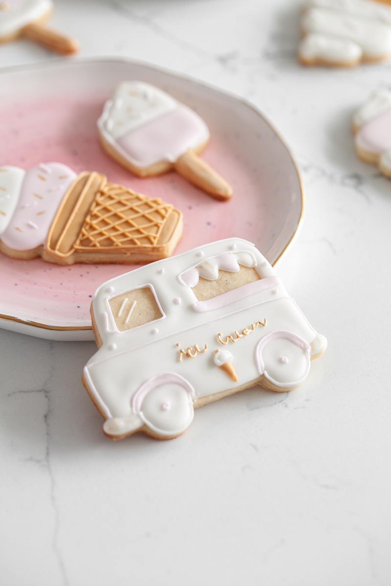 ice-cream-sugar-cookies-baking-royalicing-summer