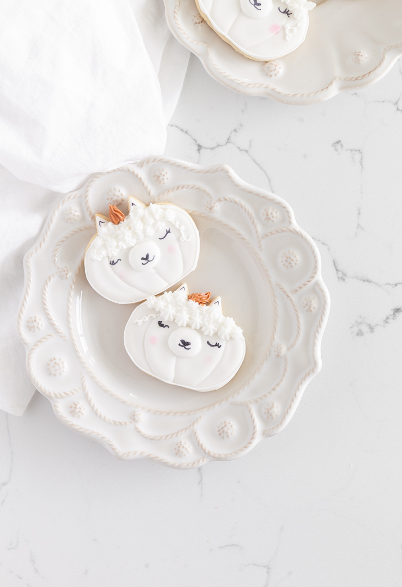 llama-pumpkin-sugar-cookies-baking-falll-royal-icing-recipes-halloween