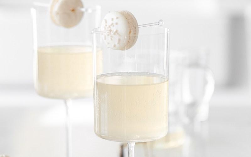 Sparkling Vanilla Macaron Cocktail