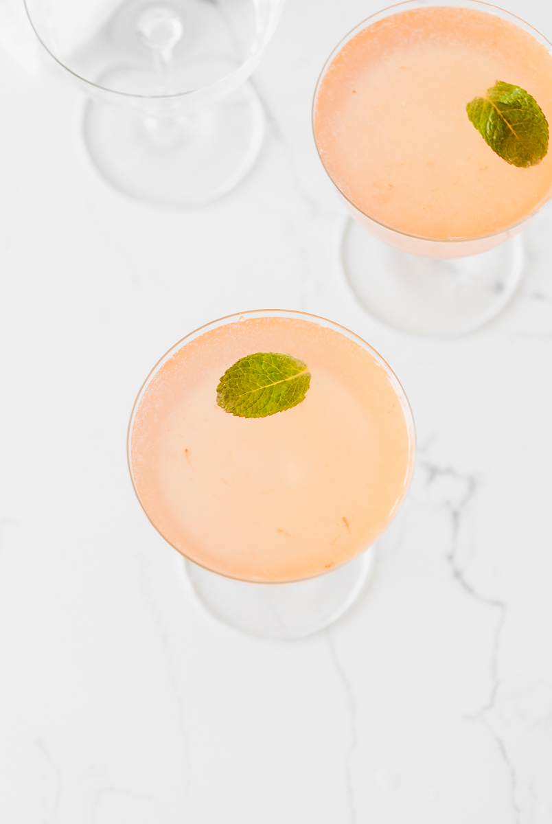 easy_gin_jam_cocktail_strawberry_craft_cocktail_recipes_drinks_spring
