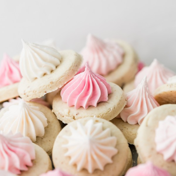 sugar_cookie_recipes_baking_cookie_decorating_small_batch_royal_icing_pink_sugar_cookie_ombre_dessert_ideas_baking