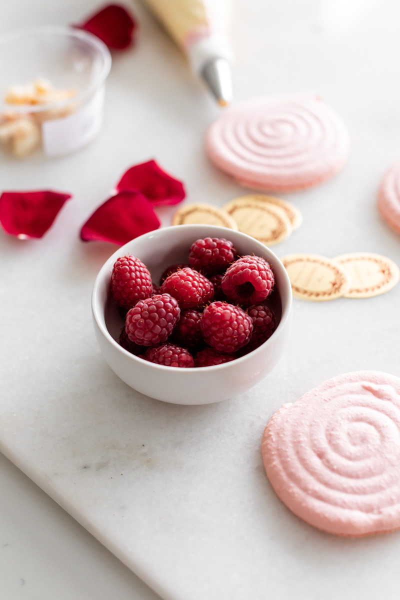 A step by step recipe for ispahan inspired macarons with raspberry, lychee and rose buttercream. Dairy and gluten free.