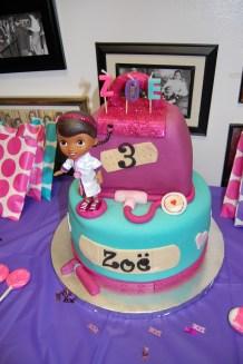Zoë LOVED her Doc McStuffins cake!!