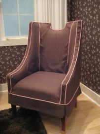 Extreme Makeover Home Edition slipcovered chair