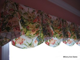 105-31-Empire Valance of Bright Cottage Floral Fabric