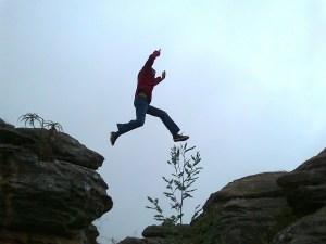 hyppy sisuun