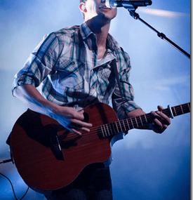 Ron Benson Brings People Closer To Christ Through Music