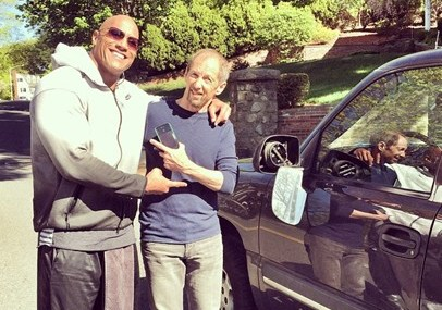 Dwayne Johnson Making New Friends On The Side Of The Street!