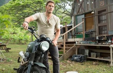 Chris Pratt signs on for Jurassic World Sequel
