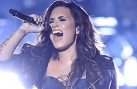 Demi Lovato covers Adele LIVE and it was perfect!