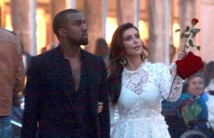 Kanye West gives Kim Kardashian beautiful flowers for anniversary!