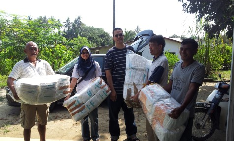 The very kind Alfa Bagan Sdn Bhd trading company delivering some needed medical items that were provided for us by Mrs. Lo Mak