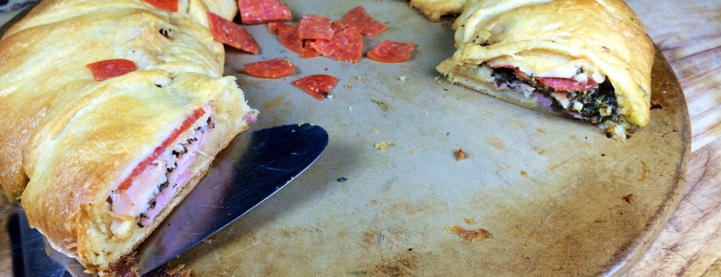 Pepperoni & Pesto Calzone Ring Recipe #PepItUp