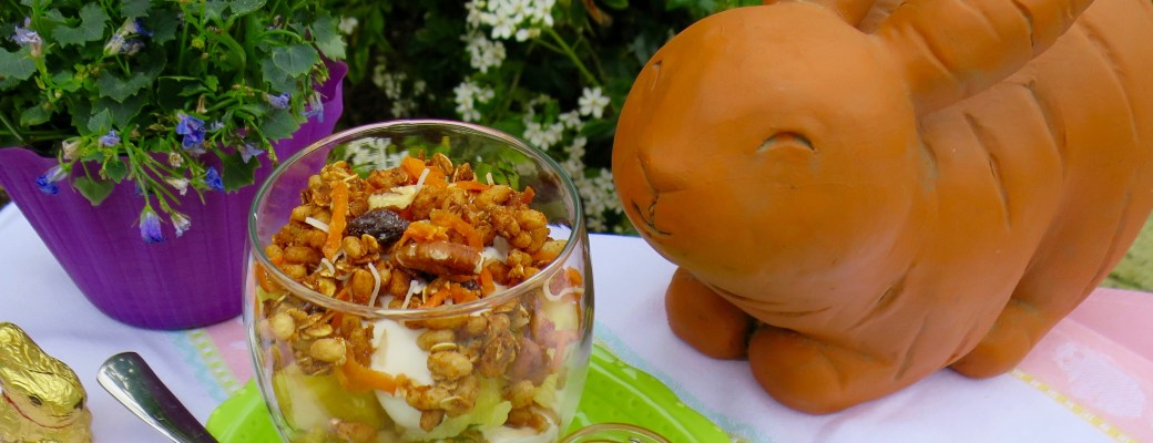 Carrot Cake Granola, Fruit & Yogurt Parfaits – Easter Blog Hop with #Evite