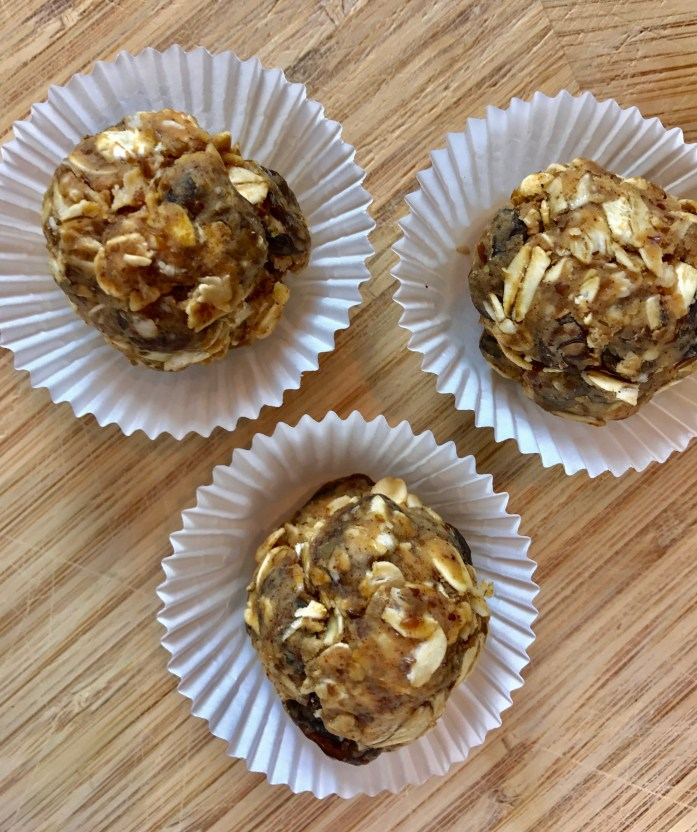 Almond Butter, Oatmeal, and Raisin Bites Recipe