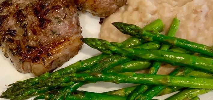 Garlic Lamb Chops with Mashed White Beans