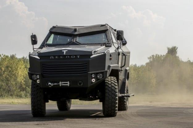 Bh. oklopno vozilo 'Despot': Razvija brzinu od 120 km/h, uz maksimalnu masu od 14 tona