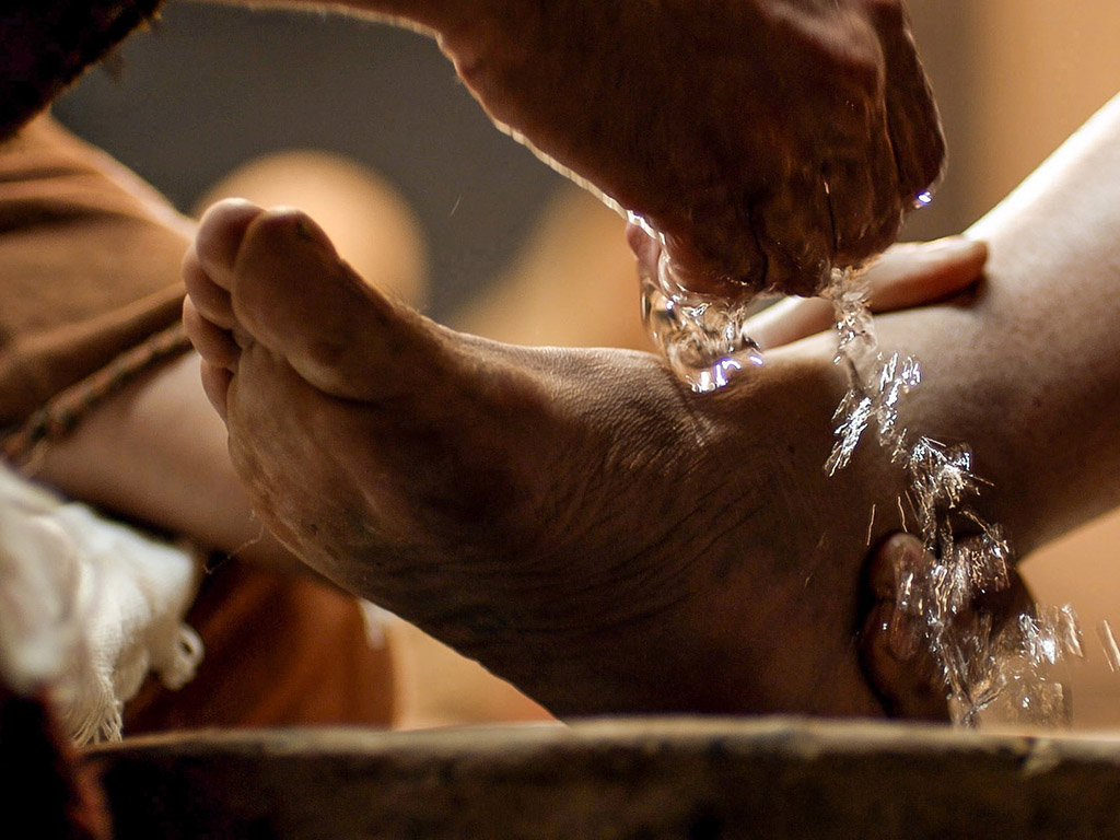 04_Jesus_Washes_Feet_1024
