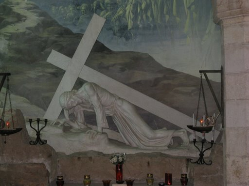 jesus-falls-with-the-cross
