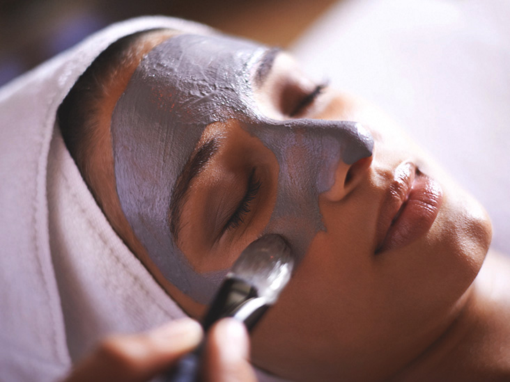 Facial Extractions How To Diy When To See A Pro And More