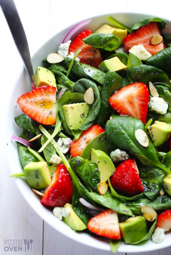 Detox Recipes: Avocado Strawberry Spinach Salad