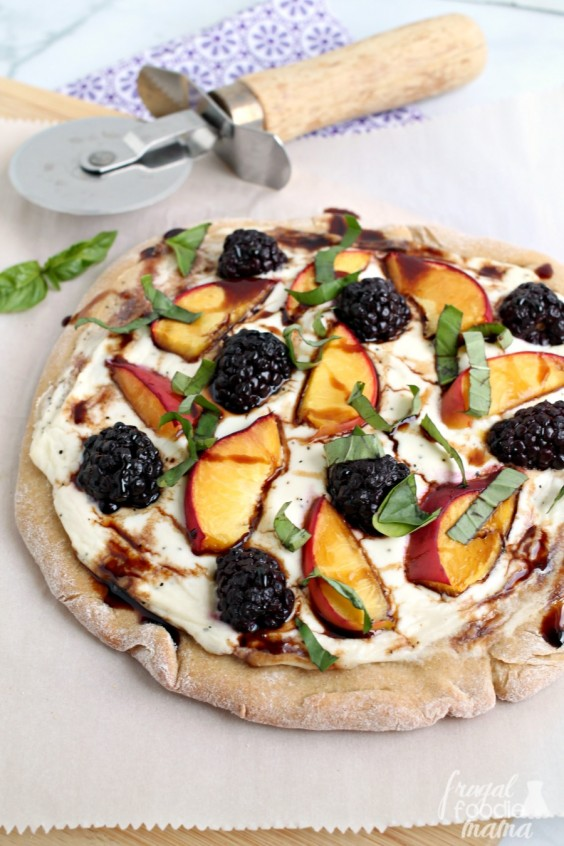 creamy cheese fruit pizza
