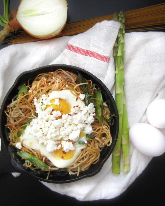 3. Brunch Time Asparagus Spaghetti With Baked Egg