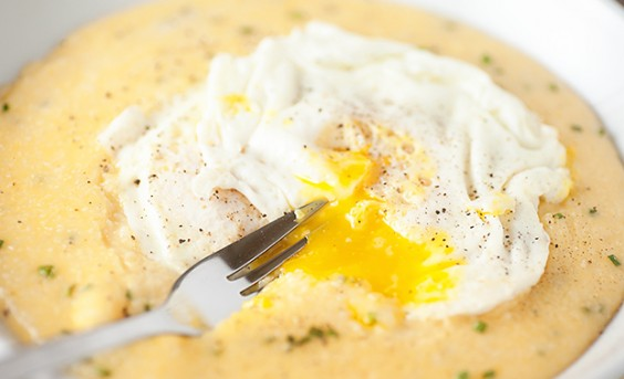 1. Cheddar Garlic Grits with Fried Egg