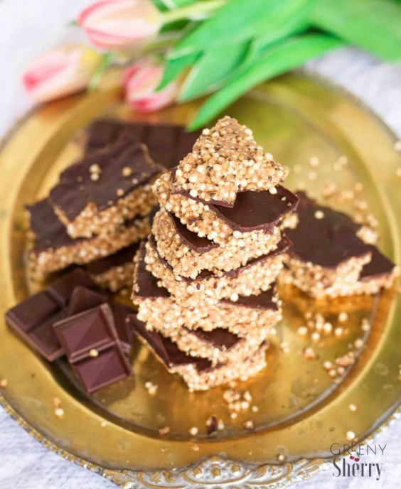 2. Salty Peanut Butter Quinoa Chia Bars With Chocolate