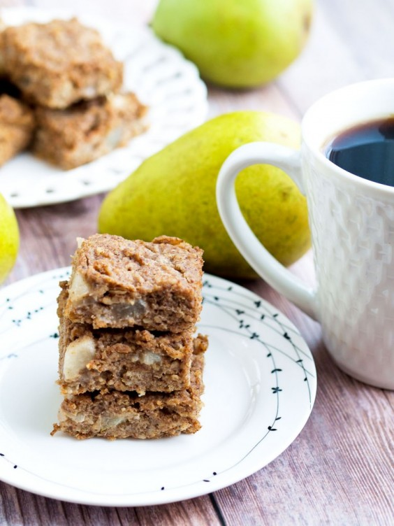 9. Pear Oatmeal Bars