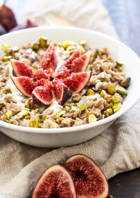 1. Vanilla Fig Oatmeal With Pistachios and Honey