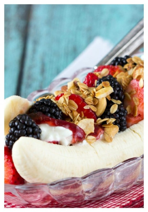 5. Healthy Breakfast Banana Split