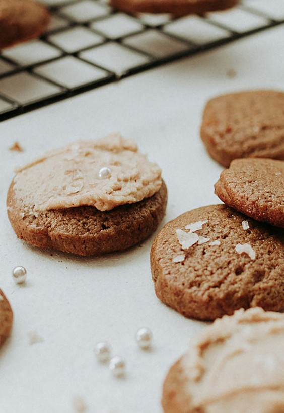 Gingersnap Cookies With Medicated Caramel Frosting Recipe