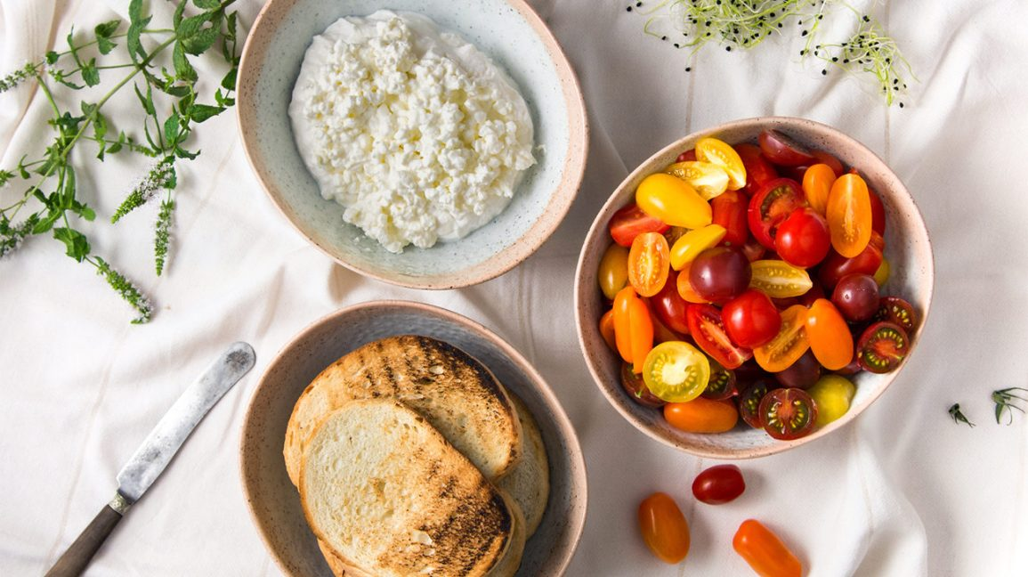cottage cheese recipe with cherry tomatoes and toast