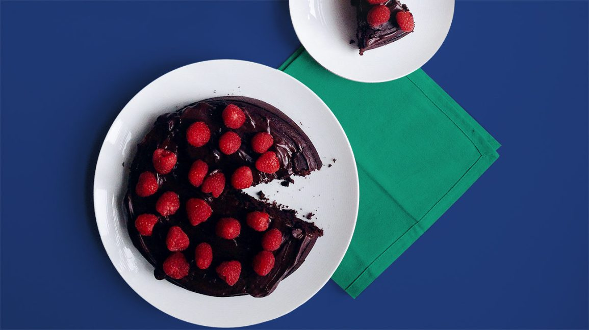 healthy cake recipe with chocolate and fruit