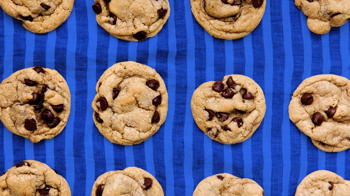 keto cookies with chocolate chips