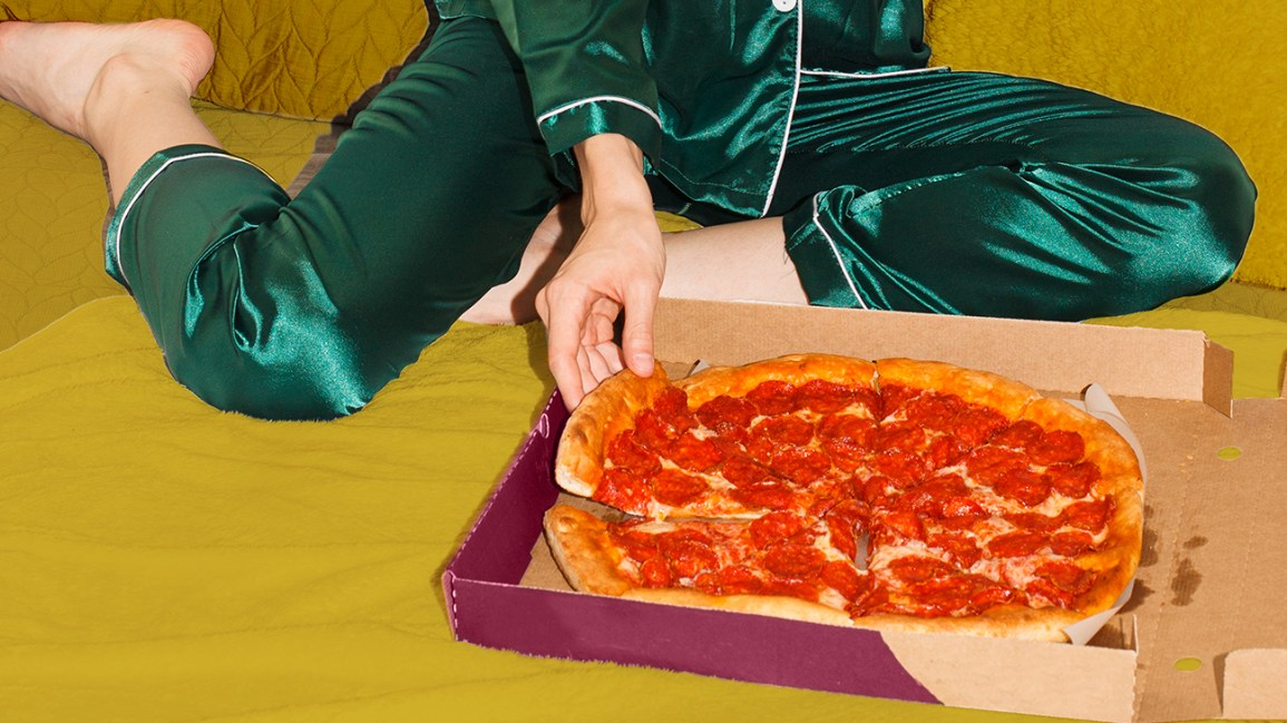Pizza: The Best and Worst Foods to Eat Before Bed