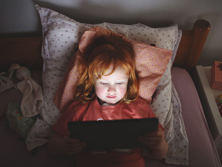Heavy Screen Time Rewires Young Brains >> How Does Screen Time Affect Kids Brains