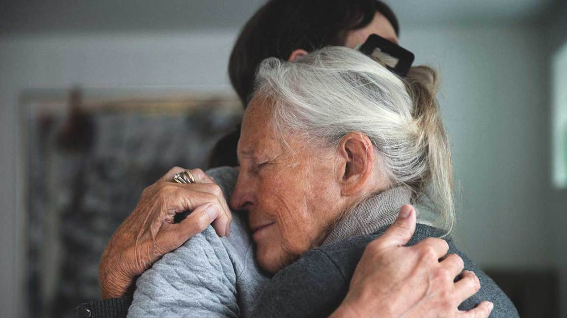How to Handle Discovering Signs of Dementia During the Holidays