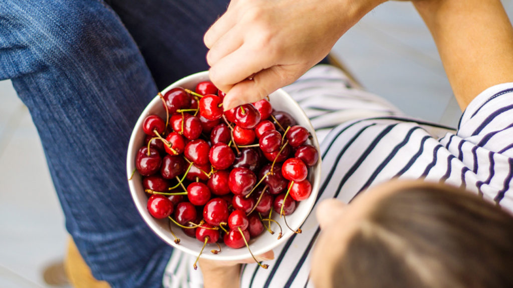 What to Know When You're Allergic to Cherries