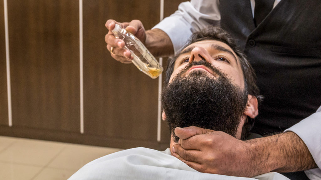 Beard Oil Recipes You Can Do at Home: Ingredients & Benefits
