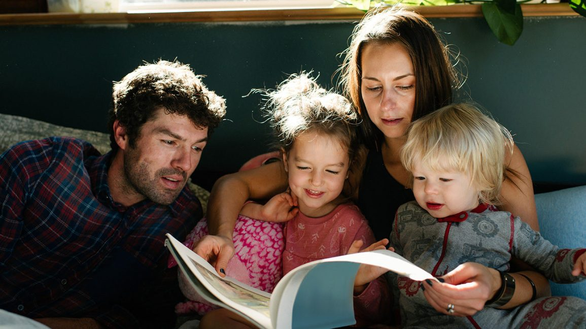 Parents Children Reading Bed 1296x728 Header